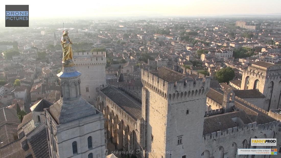 Avignon par Drone Pictures - Notre dame des Doms