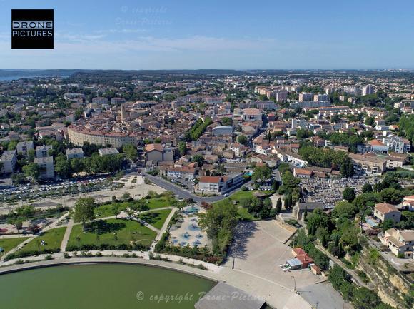 Photo aérienne par drone d'Istres depuis l'étang de l'Olivier - © Drone-Pictures