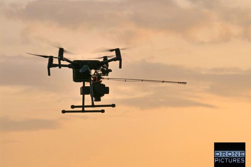 M200 en vol + BH12 et Têtes de prélèvement gaz et particules délocalisées -Drone-Pictures
