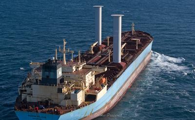 Le pétrolier Maersk Pelican, Marseille vu par drone en pleine mer © Drone-Pictures