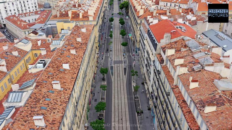 Photo aérienne de la rue de la République le 1er Mai-2020 à Marseille