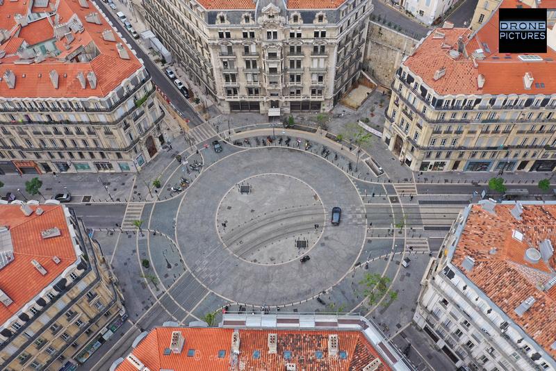 Photo aérienne de la Place Sadi-Carnot, le 1er Mai-2020 à Marseille