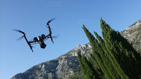 Drone I2 en vol à la Sainte-Victoire-Puyloubier-© Drone-Pictures