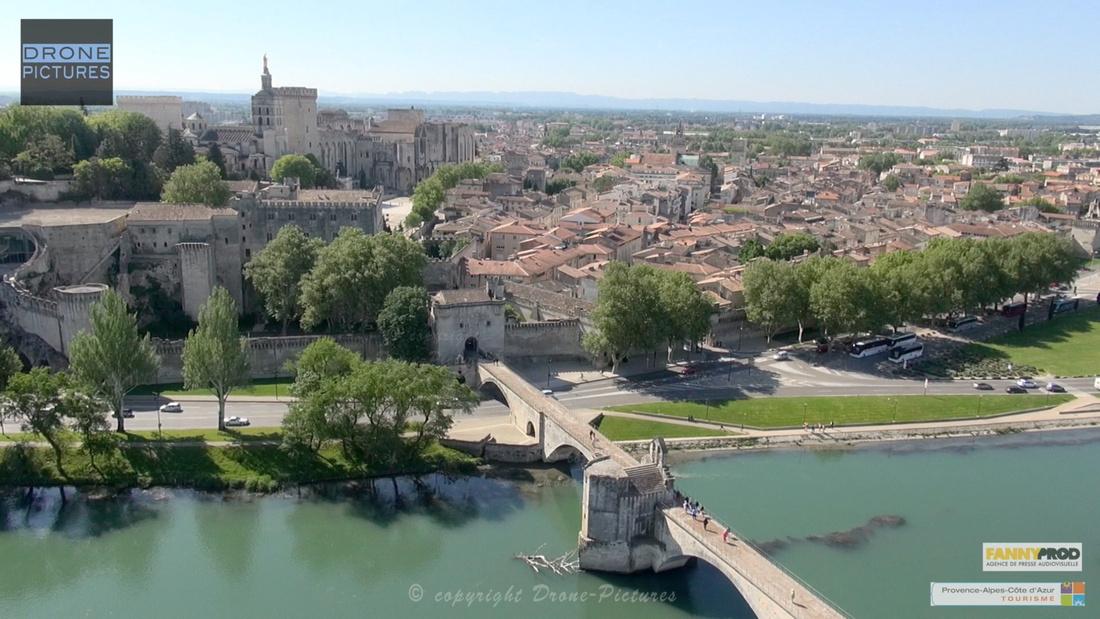 Avignon par Drone Pictures - Ville et Pont Saint Benenzet
