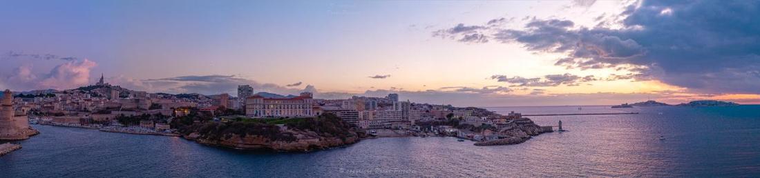 Giga-Pano aérien Vieux-Port Nuit 1 Marseille © Drone-Pictures