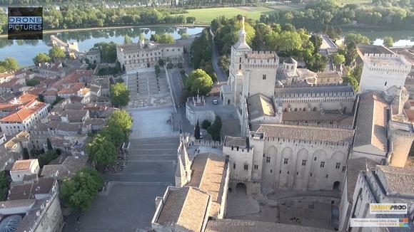 Avignon par Drone Pictures - Centre historique Palais des Papes