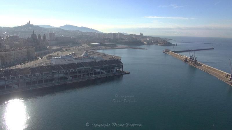 Marseille, la ville depuis les Terrasses du Port